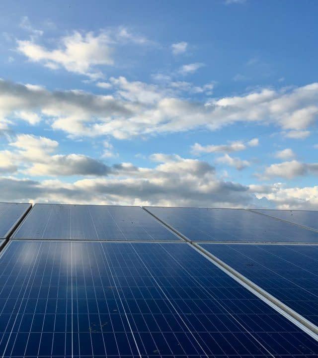 Solar cooling system